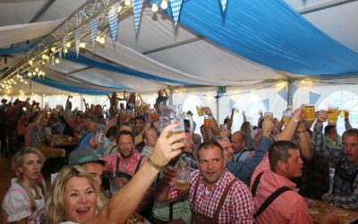 Oktoberfest Blokzijl in grotere tent